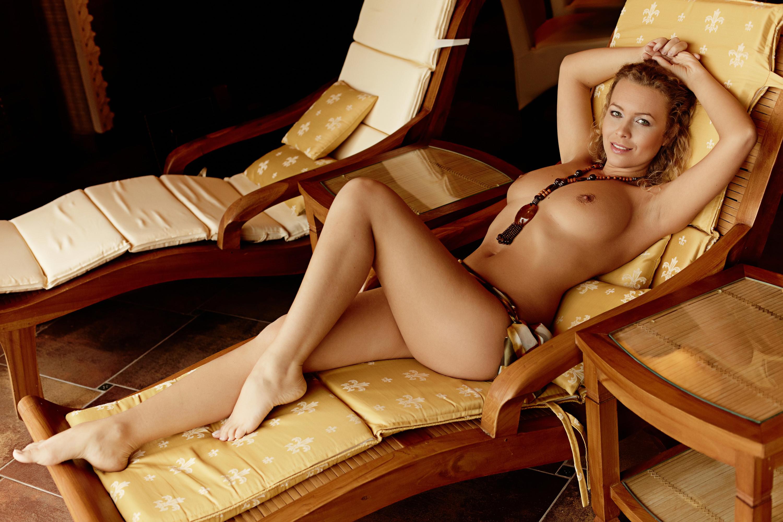 Скромница в экстазе 9 фотография