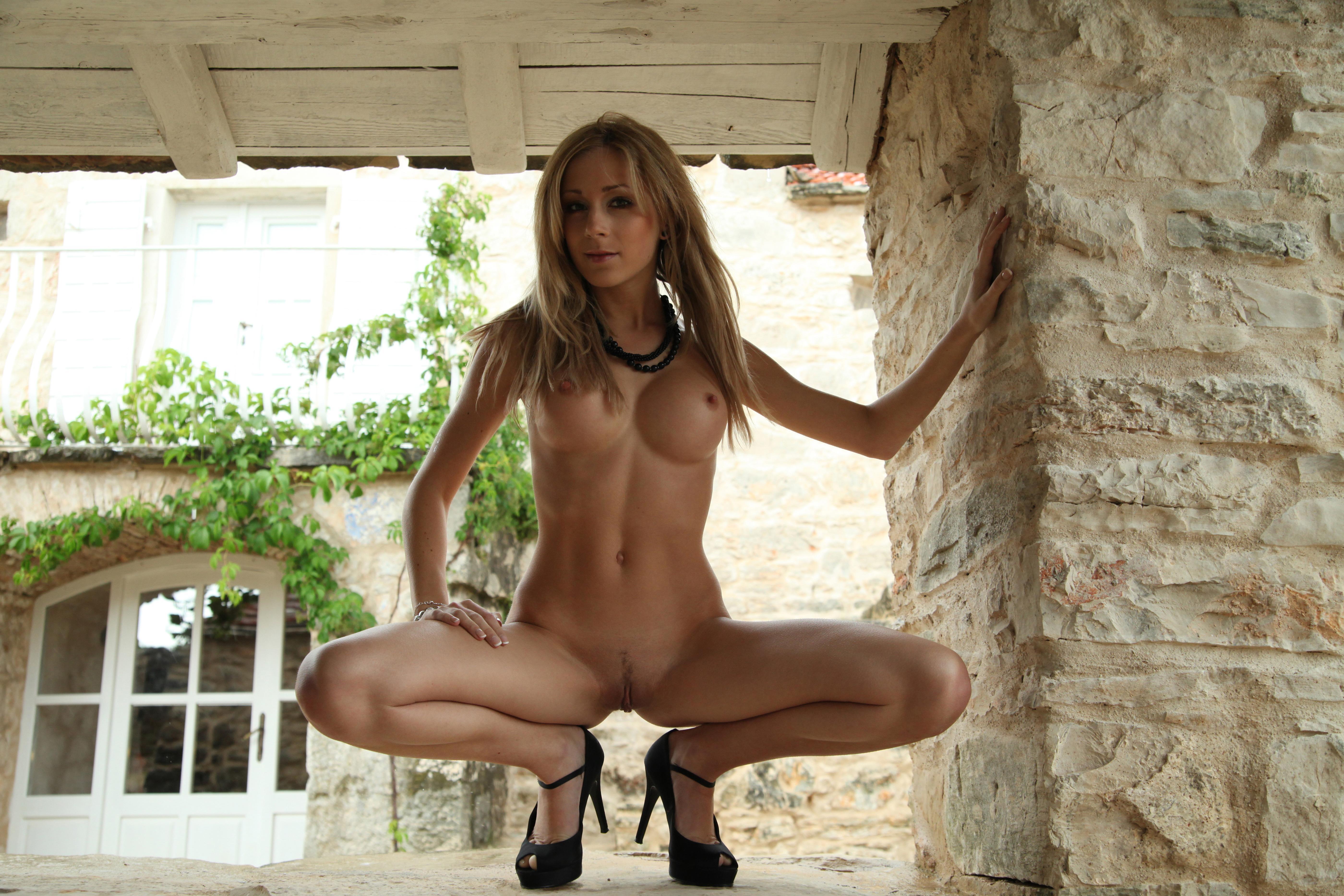 Стриптиз сиськи блондинка 8 фотография