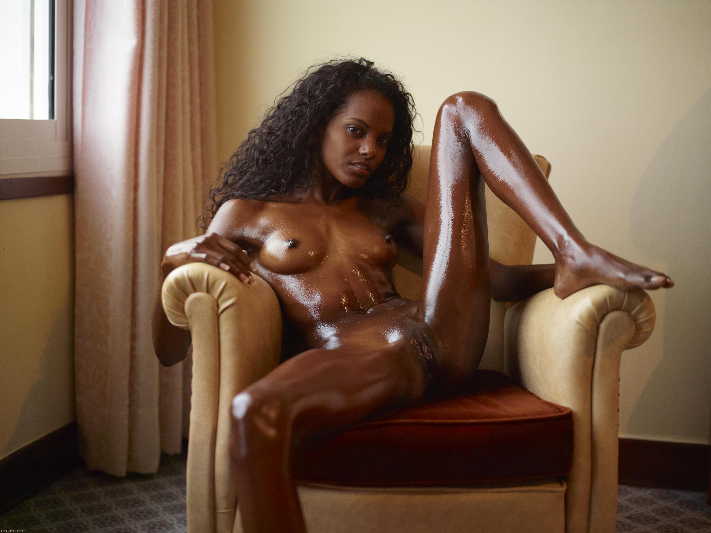 Фото секс в масле негритянки 14 фотография