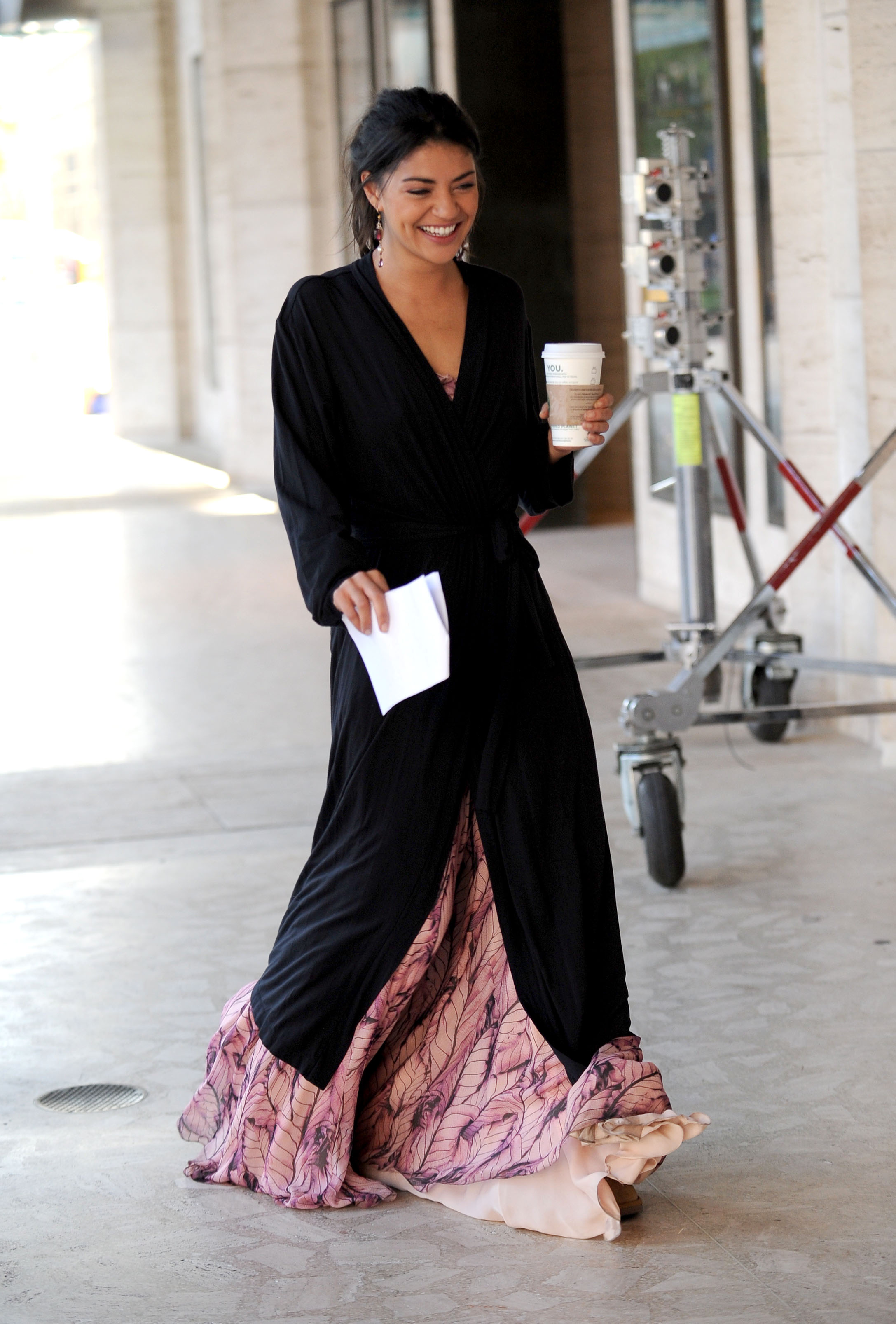 Jessica szohr style fashion 15 Mixed-Race Celebrities StyleCaster