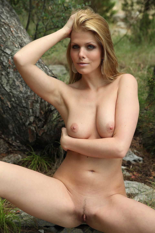 Смотреть порно с katalin kiraly 4 фотография