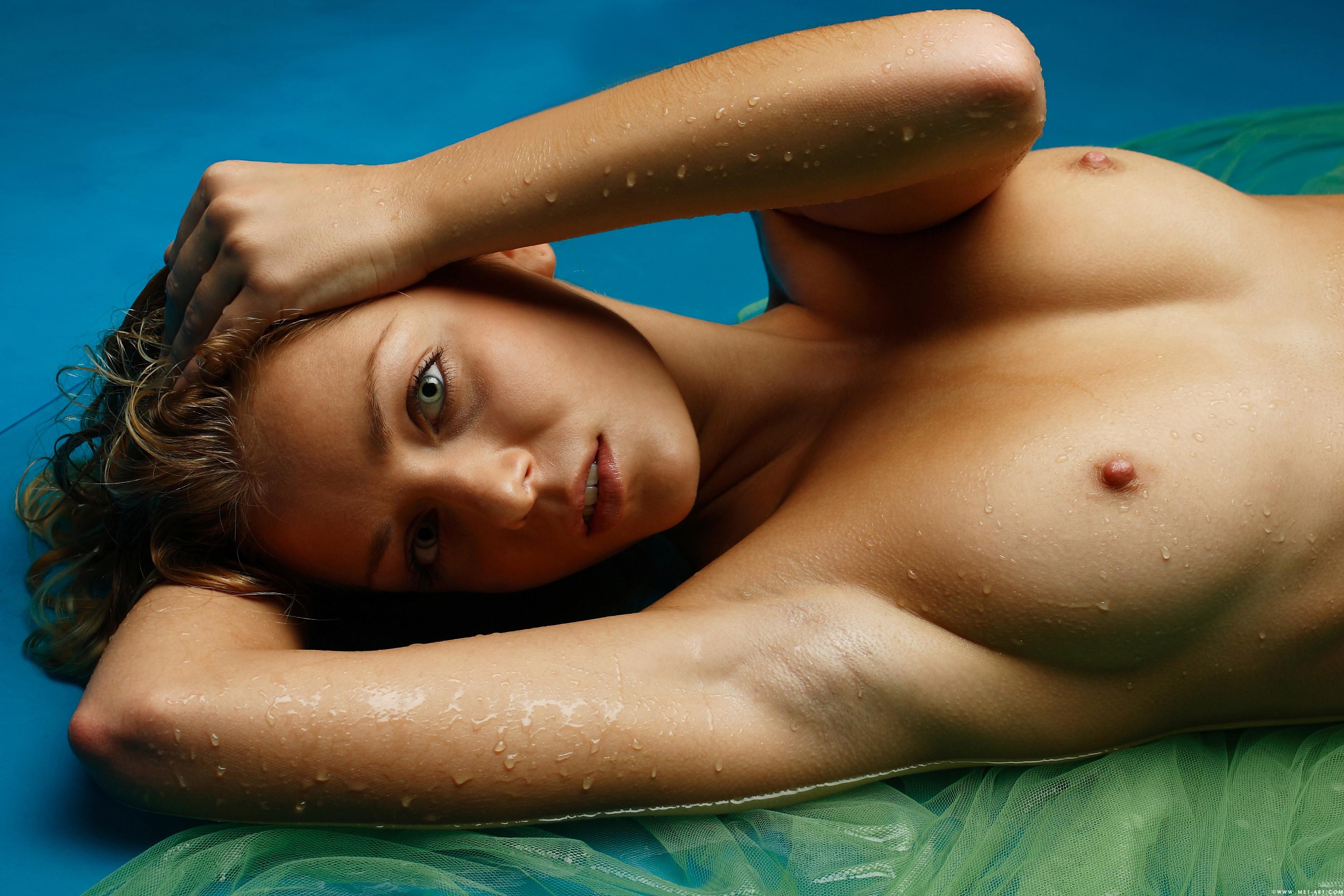 Смотреть фото голых дев, Голые девушки - фото красивых девушек смотреть 12 фотография