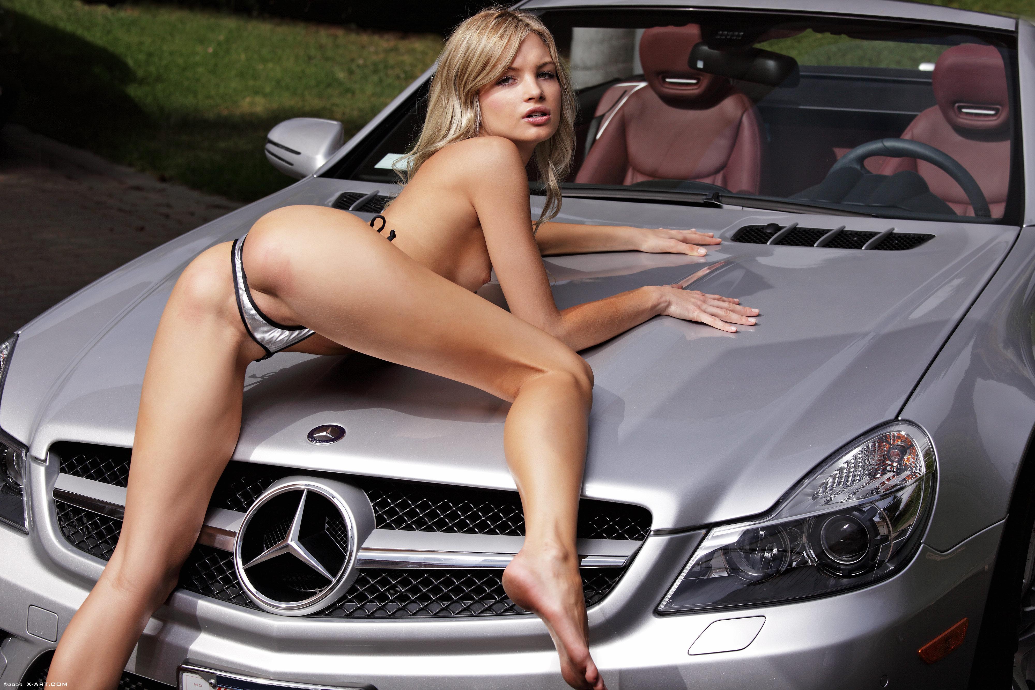 Фото голых моделей в авто 14 фотография