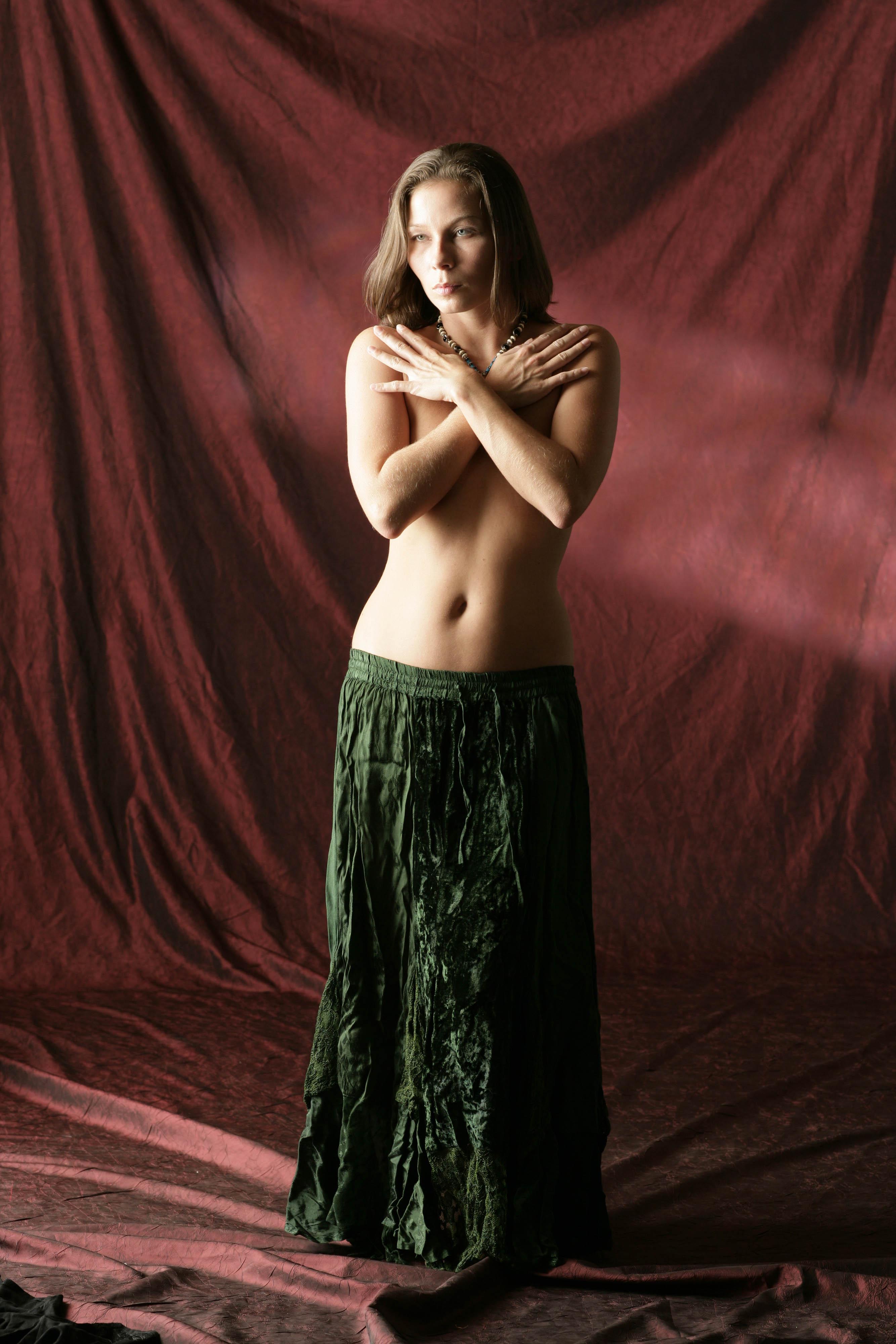 Эро фото в средневековых платьях 12 фотография