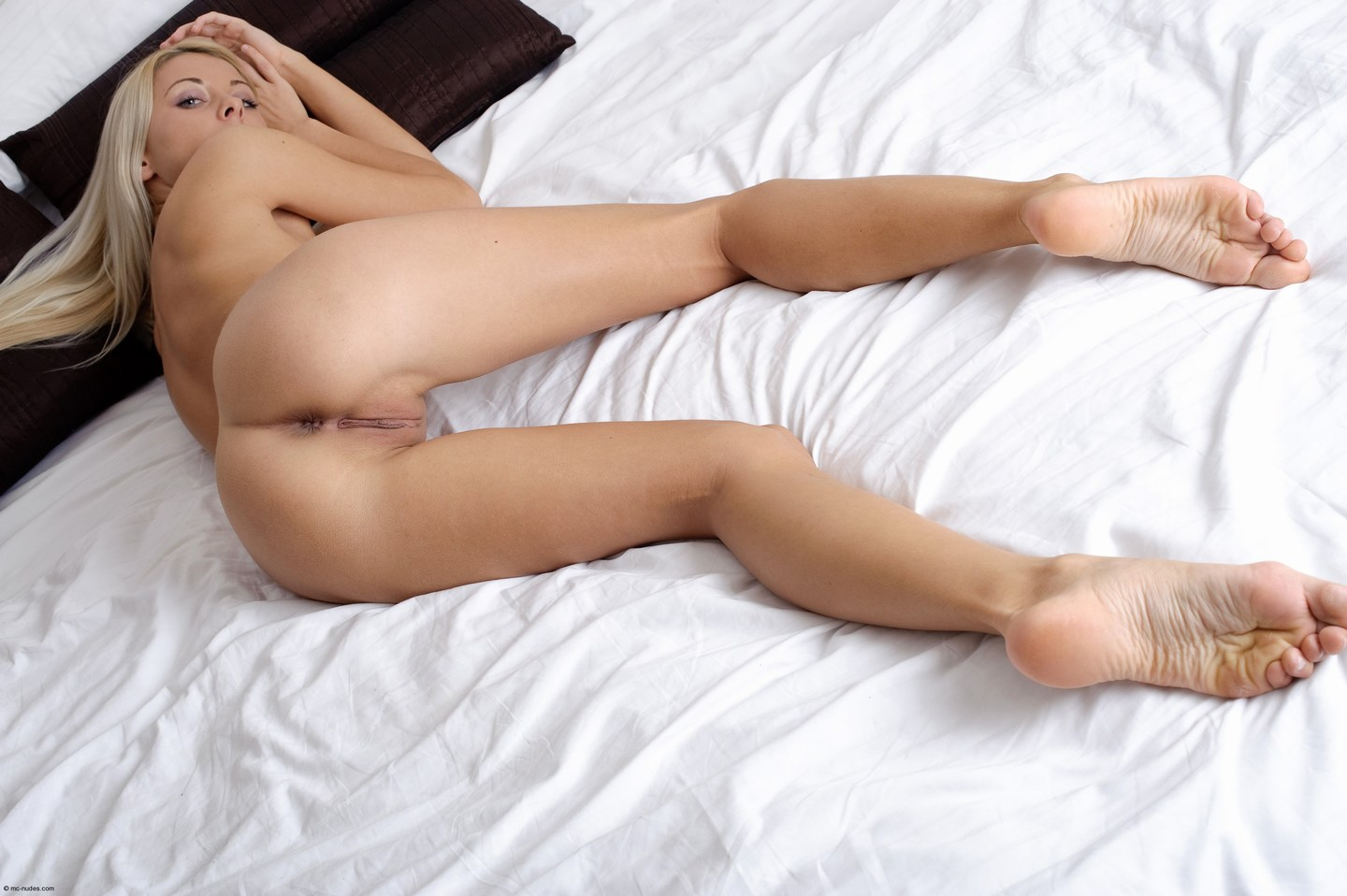 Nude girls with shaved pussy